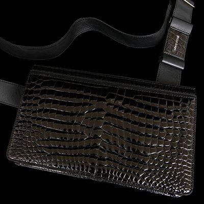 おしゃれな人気ブランドのショルダーバッグは池田工芸のAll Crocodile Messenger's Bag