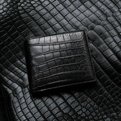 マットクロコダイル2つ折り財布