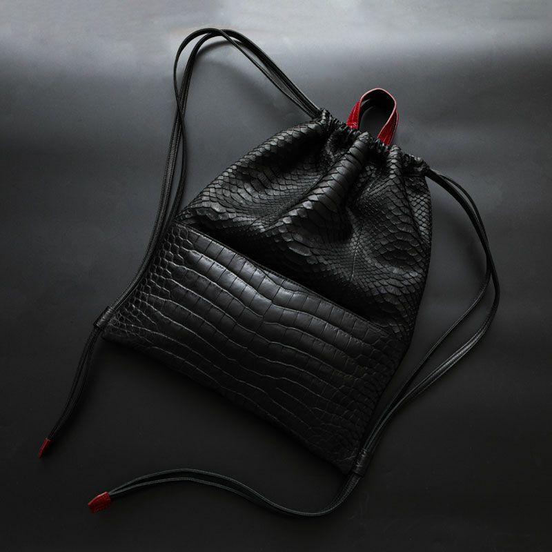 おしゃれな人気ブランドのメンズリュックはVivienne WestwoodのCrocodile Python Sport Sack